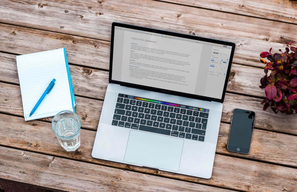 laptop-blog-traffic.jpg